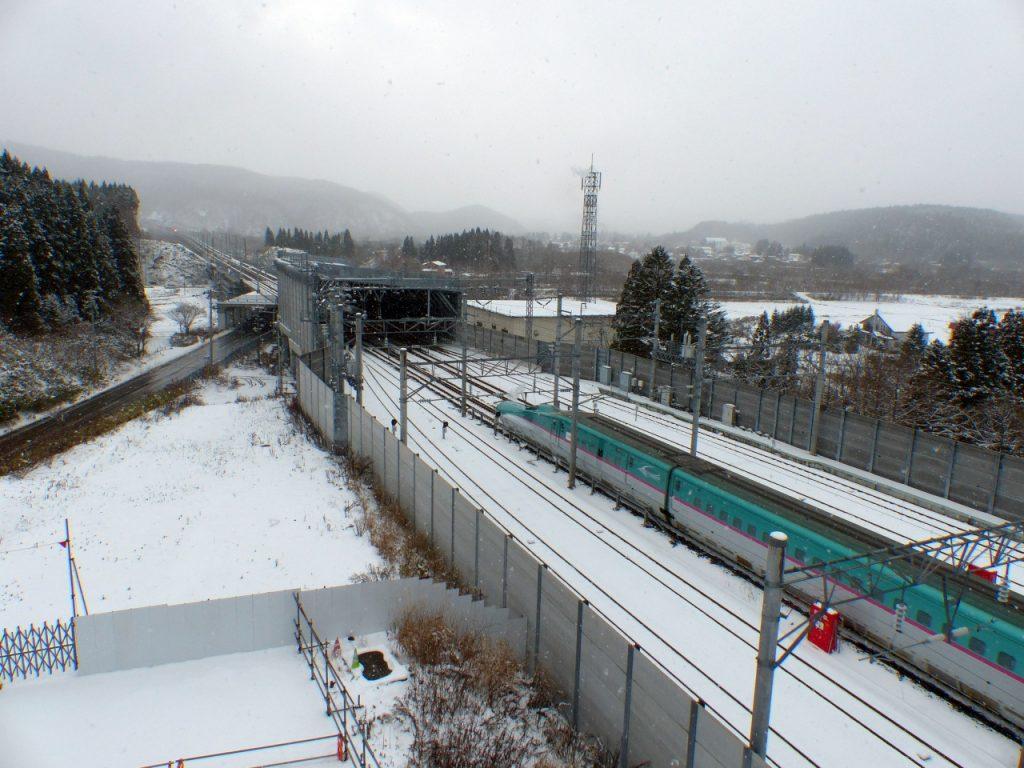 hp_20161126_shinkansen08