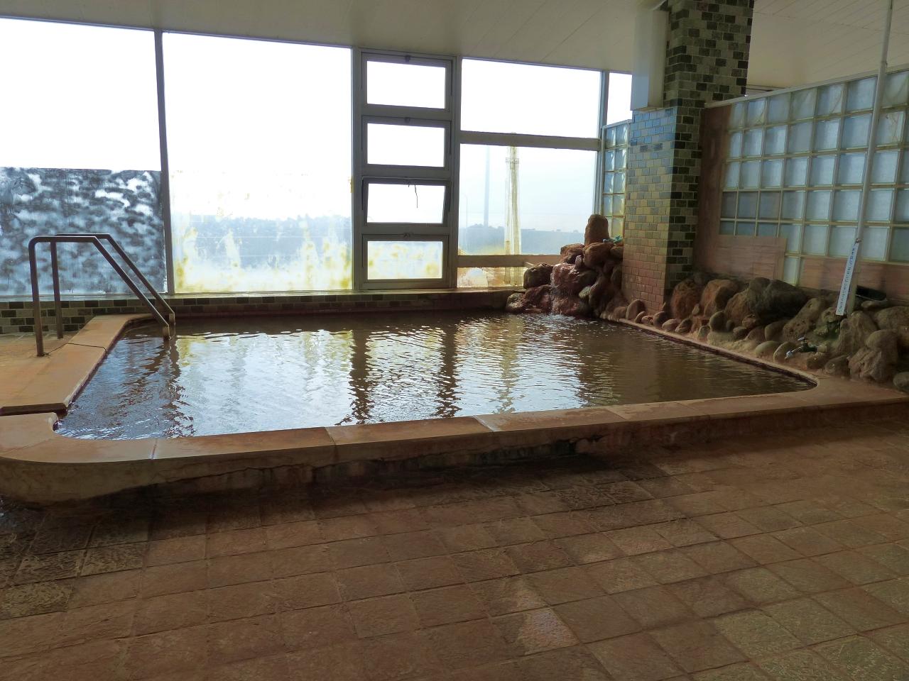 日本海の眺望抜群な2階浴場