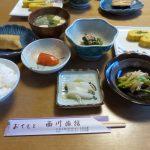 乙部町名物「釣りたらこ」も並ぶ朝食
