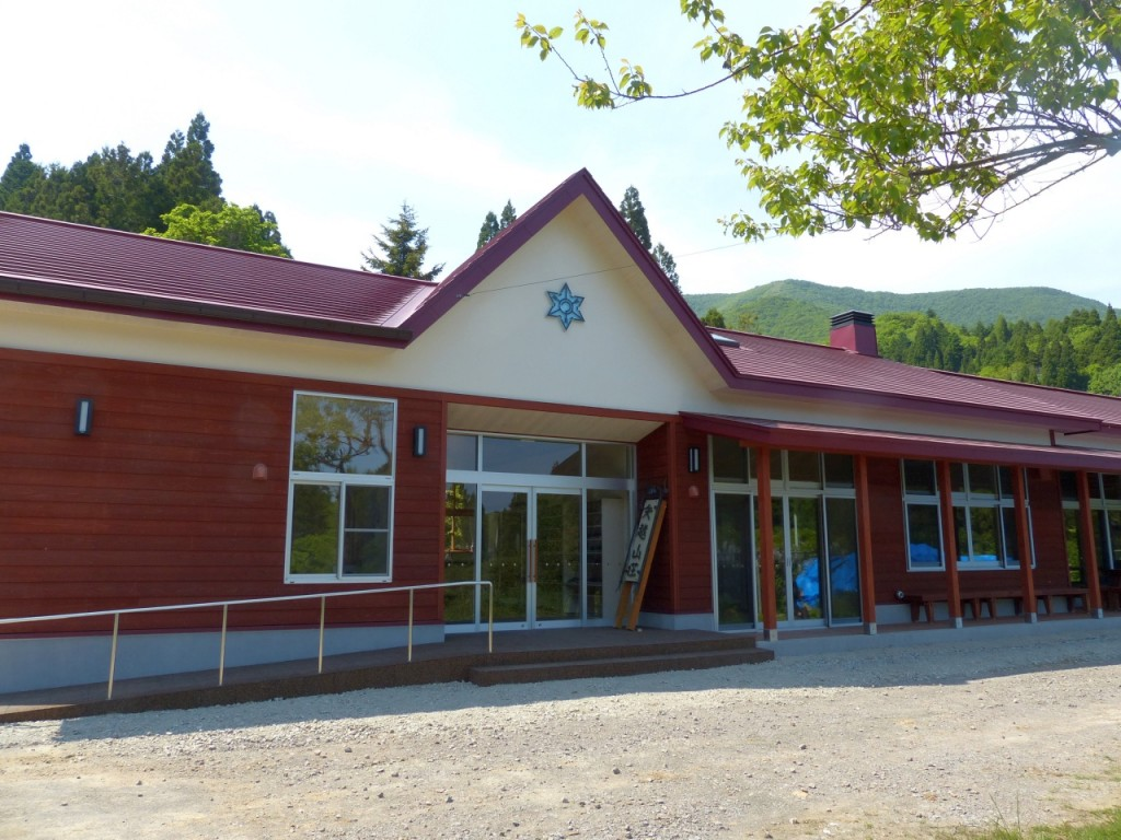 矢越小学校の面影残る建物